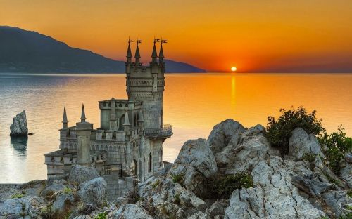 swallows_nest_castle_ukraine_wallpaper